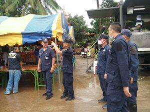 ตำรวจสื่อสารจังหวัดเลย ลงพื้นที่ช่วยเหลือประชาชนประสบภัยจาก 'พายุซินลากู'